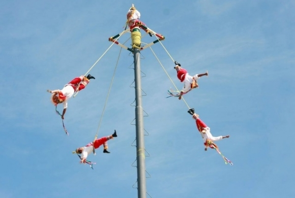 Papantla Flyers Enjoyed by Hundreds of People